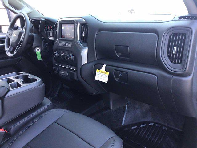 2021 Chevrolet Silverado 3500 Crew Cab AWD, Knapheide PGNB Gooseneck Platform Body #21C143T - photo 18