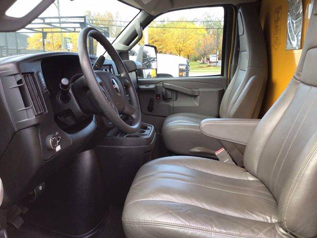 2017 GMC Savana 3500 RWD, Cutaway Van #H3582 - photo 1
