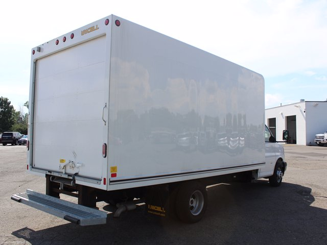 2019 GMC Savana 3500 RWD, Cutaway Van #H3588 - photo 1