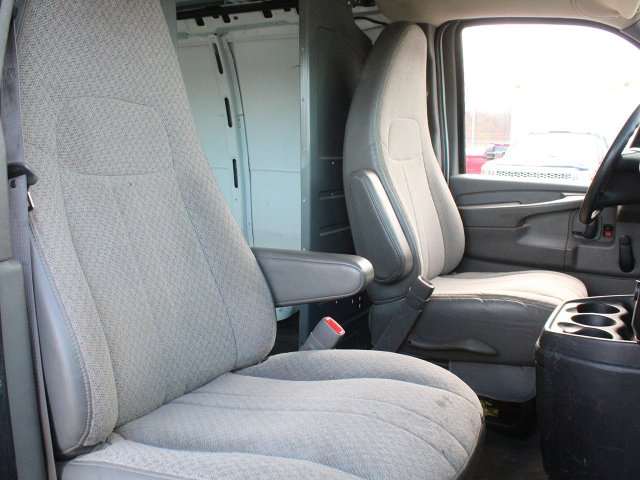 2010 Express 2500 4x2,  Empty Cargo Van #S3857A - photo 23