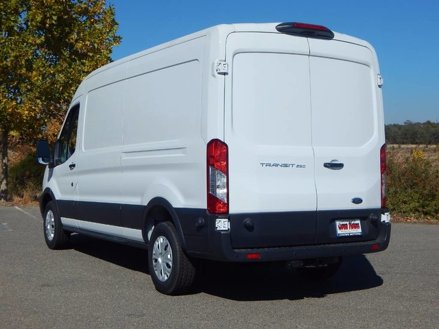 2018 Transit 250 Med Roof 4x2,  Empty Cargo Van #18F778 - photo 5