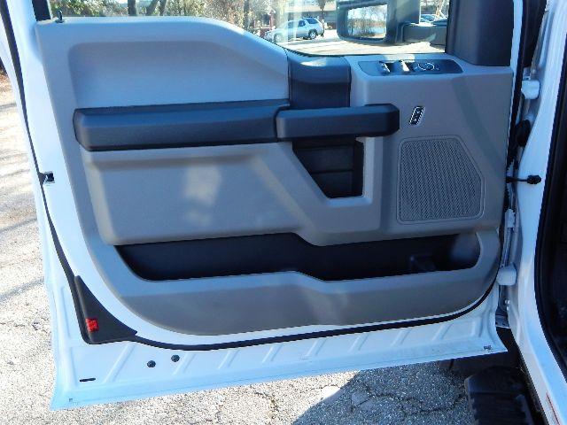 2020 Ford F-550 Super Cab DRW 4x4, Scelzi 11ft Service Body with 3200# AutoCrane #20F764 - photo 39