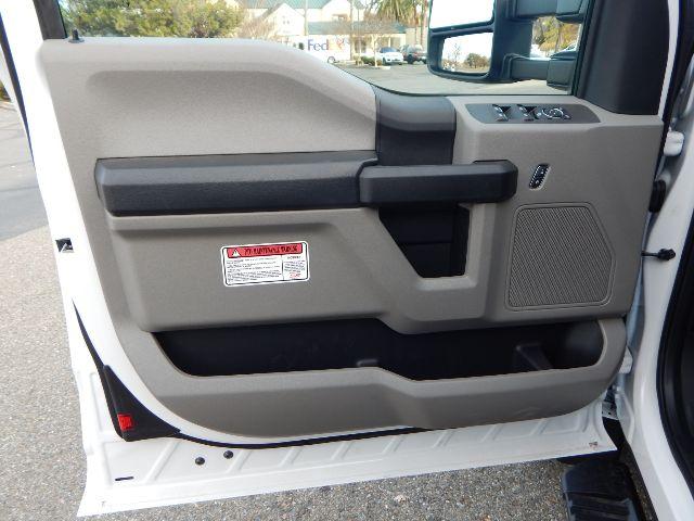 2020 Ford F-550 Super Cab DRW 4x4, Scelzi Western Crane Body with 7000# AutoCrane #20F816 - photo 38