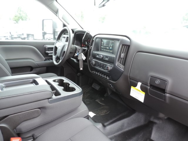 2016 Silverado 3500 Crew Cab, Harbor Combo Body #M161019 - photo 15