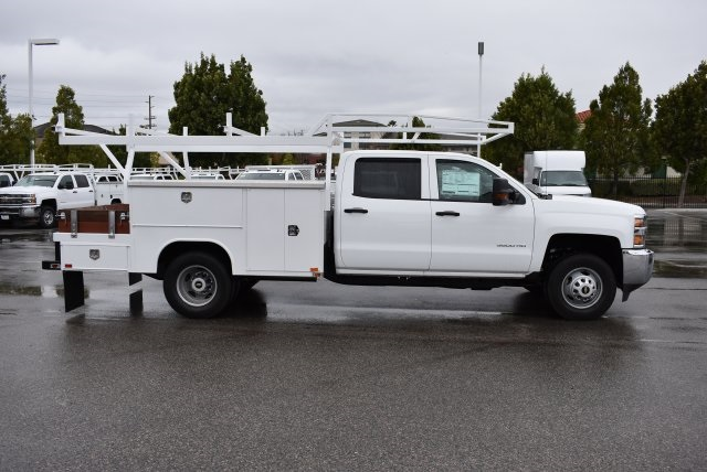 2016 Silverado 3500 Crew Cab, Harbor Combo Body #M161025 - photo 9