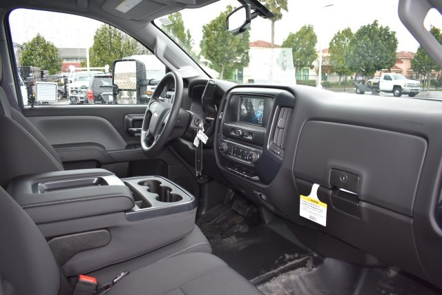 2016 Silverado 3500 Crew Cab, Harbor Combo Body #M161025 - photo 16