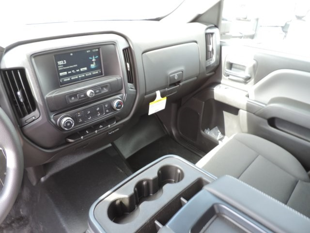 2016 Silverado 3500 Crew Cab, Harbor Contractor Body #M161029 - photo 23