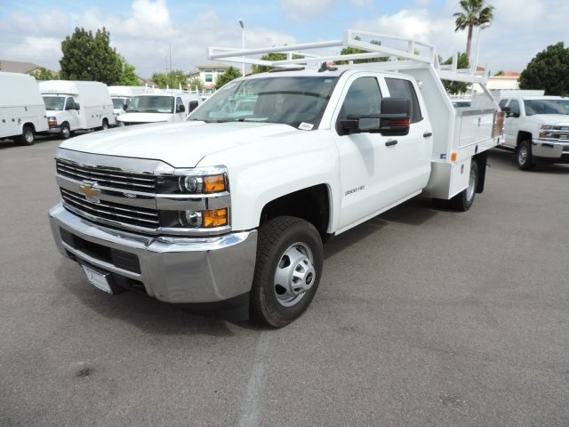 2016 Silverado 3500 Crew Cab, Harbor Contractor Body #M161031 - photo 5