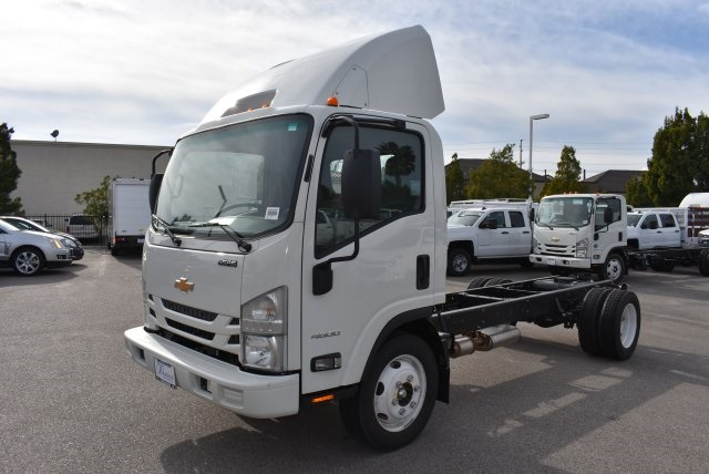 2016 Low Cab Forward Regular Cab, Cab Chassis #M161078 - photo 5