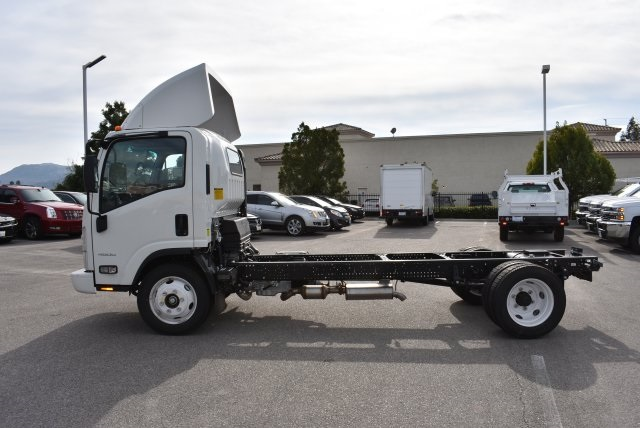2016 Low Cab Forward Regular Cab, Cab Chassis #M161078 - photo 6