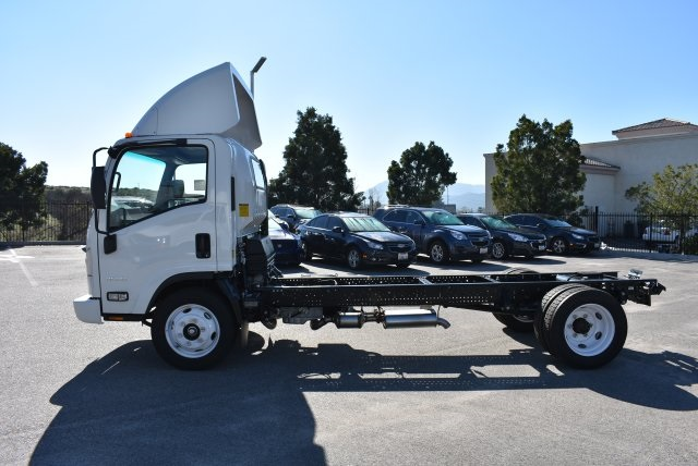 2016 Low Cab Forward Regular Cab, Cab Chassis #M161081 - photo 6