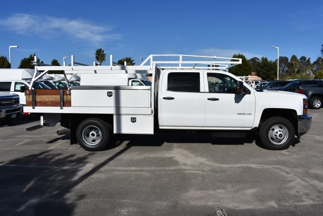 2016 Silverado 3500 Crew Cab 4x4, Harbor Contractor Body #M162000 - photo 9