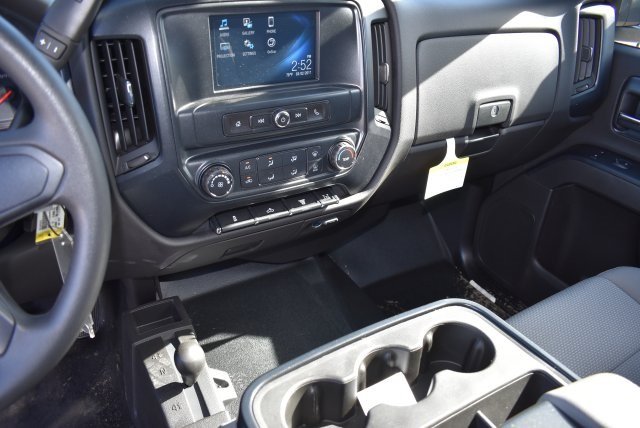 2016 Silverado 3500 Crew Cab 4x4, Harbor Contractor Body #M162000 - photo 23