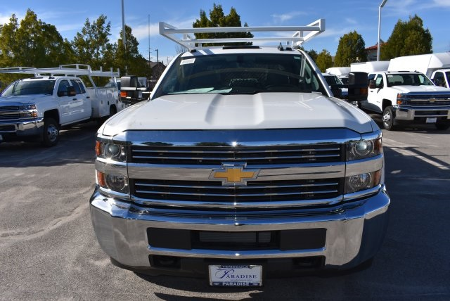 2016 Silverado 3500 Crew Cab 4x4, Harbor Contractor Body #M162000 - photo 4