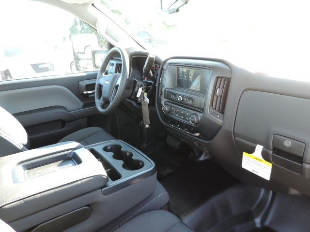 2016 Silverado 3500 Regular Cab, Utility #M164005 - photo 17