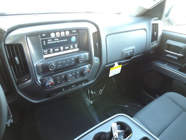 2016 Silverado 1500 Crew Cab, Pickup #M16405 - photo 19