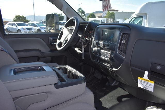 2017 Silverado 3500 Regular Cab DRW 4x2,  Knapheide Contractor Bodies Contractor Body #M171258 - photo 16