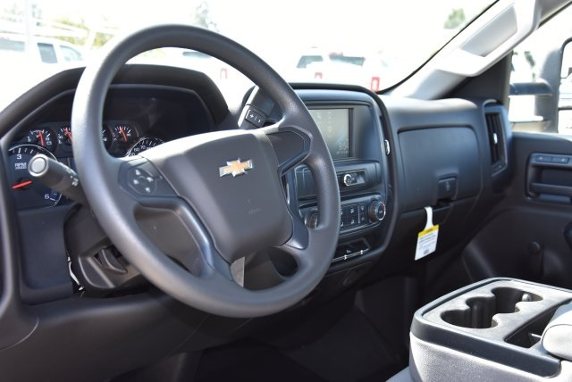 2017 Silverado 2500 Regular Cab, Royal Utility #M171356 - photo 18