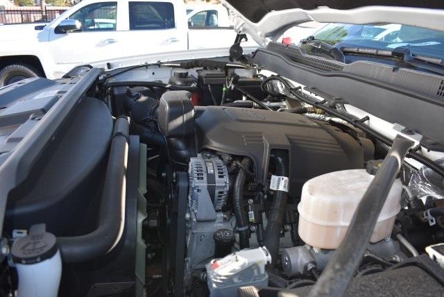 2017 Silverado 2500 Regular Cab, Royal Utility #M171356 - photo 21