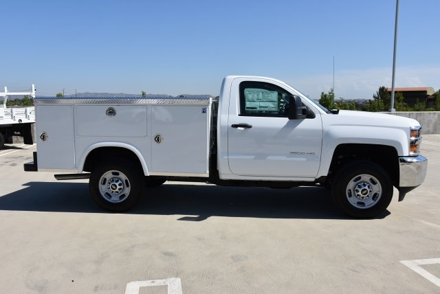 2017 Silverado 2500 Regular Cab, Royal Utility #M171356 - photo 9