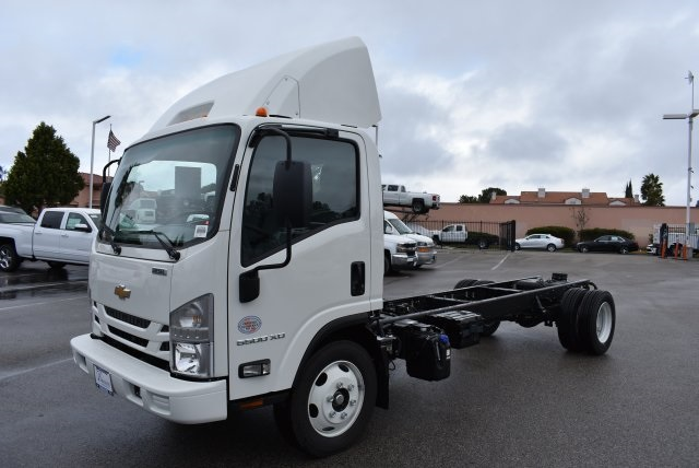 2017 Low Cab Forward Regular Cab, Cab Chassis #M17314 - photo 5