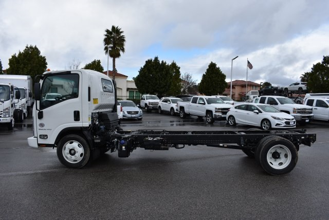 2017 Low Cab Forward Regular Cab, Cab Chassis #M17315 - photo 6