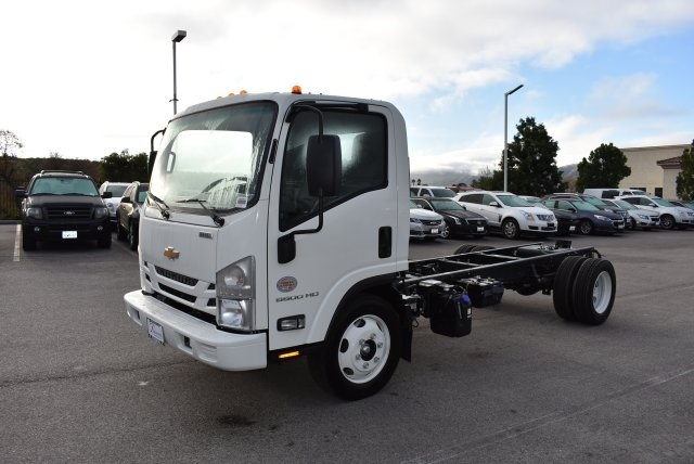2017 Low Cab Forward Regular Cab Cab Chassis #M17316 - photo 5
