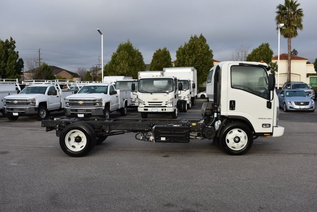 2017 Low Cab Forward Regular Cab Cab Chassis #M17316 - photo 9