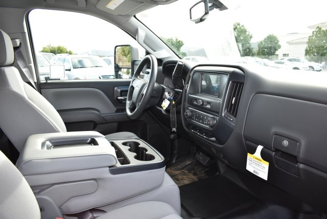 2017 Silverado 2500 Crew Cab, Harbor Utility #M17367 - photo 16