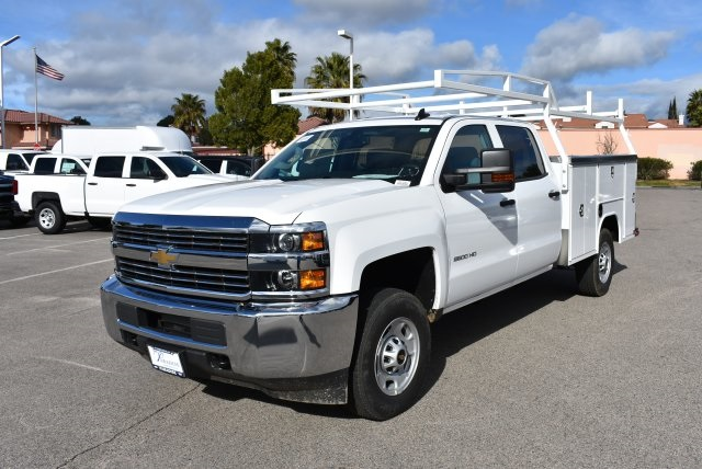 2017 Silverado 2500 Crew Cab, Harbor Utility #M17367 - photo 5