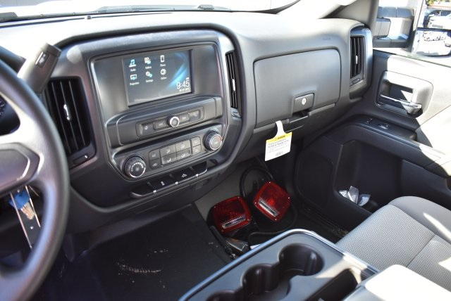 2017 Silverado 2500 Crew Cab, Harbor Utility #M17368 - photo 25