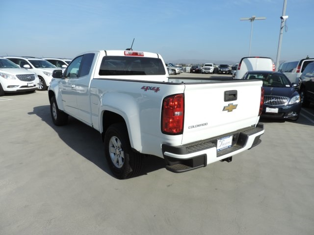2017 Colorado Double Cab 4x4, Pickup #M17374 - photo 7