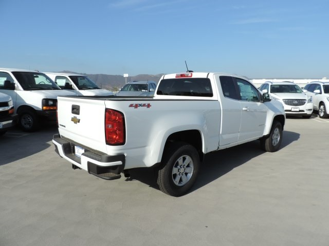 2017 Colorado Double Cab 4x4, Pickup #M17374 - photo 2
