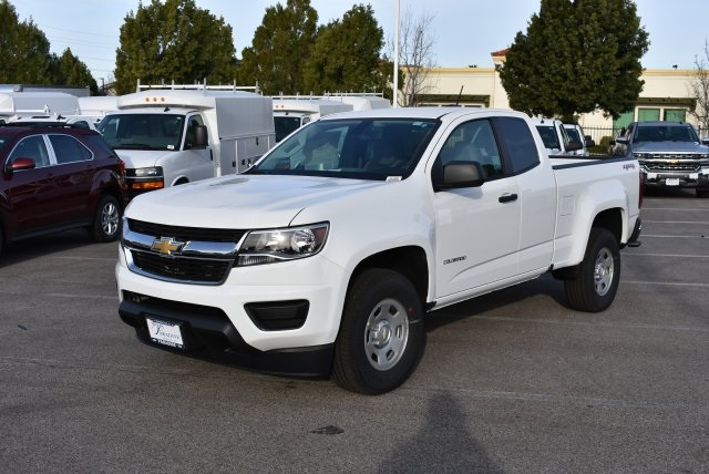 2017 Colorado Double Cab 4x4, Pickup #M17386 - photo 5