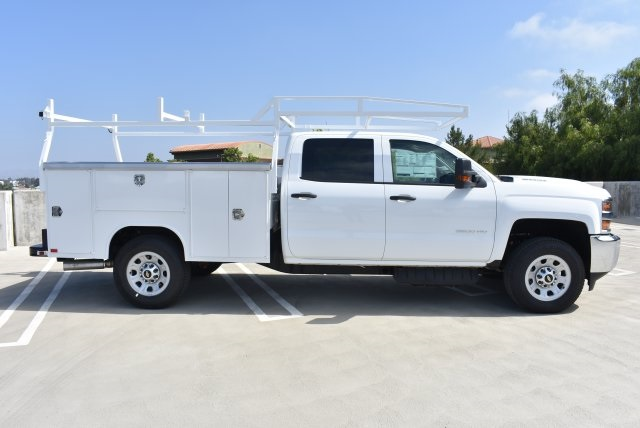 2017 Silverado 3500 Crew Cab, Harbor Utility #M17416 - photo 9