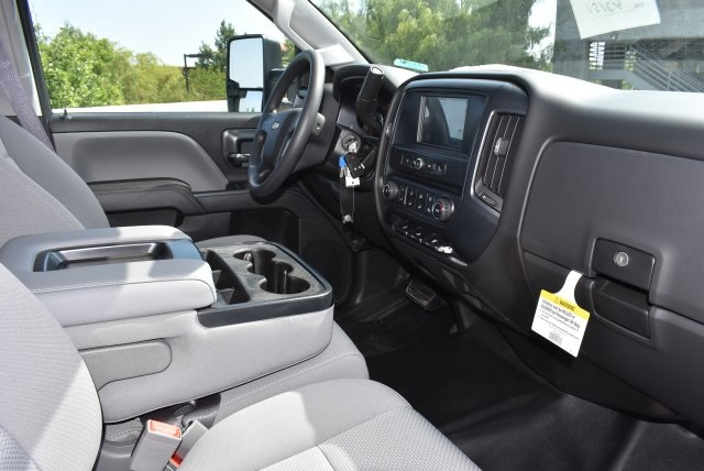 2017 Silverado 3500 Crew Cab, Harbor Utility #M17416 - photo 16