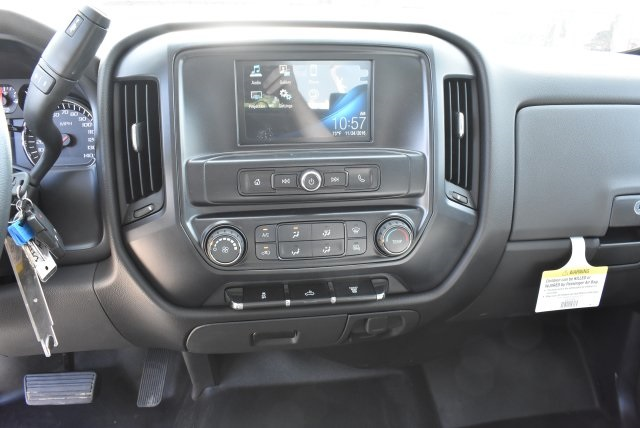 2017 Silverado 3500 Crew Cab, Harbor Utility #M17416 - photo 24