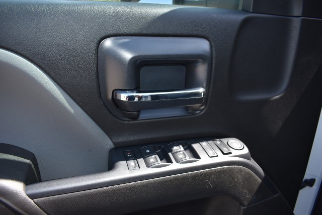 2017 Silverado 3500 Crew Cab, Royal Contractor Body #M17440 - photo 21