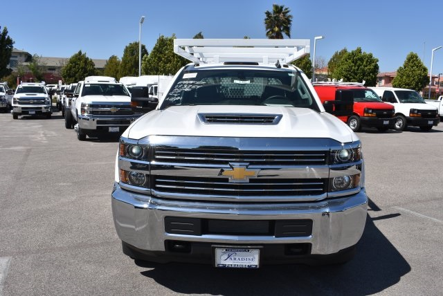 2017 Silverado 3500 Crew Cab, Royal Contractor Body #M17440 - photo 4