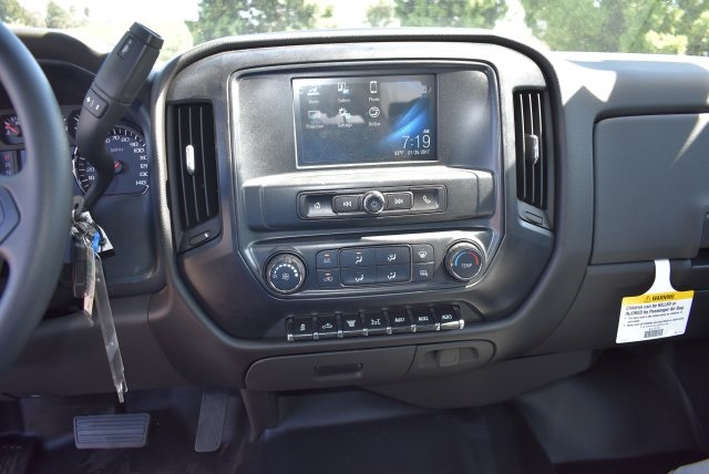 2017 Silverado 3500 Crew Cab, Harbor Combo Body #M17444 - photo 23