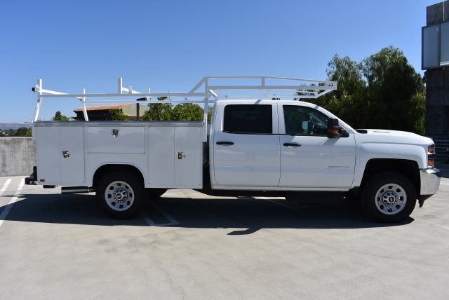 2017 Silverado 3500 Crew Cab, Harbor Utility #M17540 - photo 9