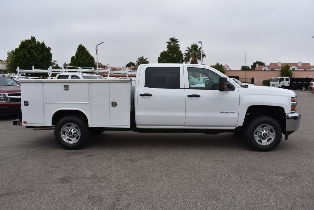2017 Silverado 2500 Crew Cab, Harbor Utility #M17597 - photo 9