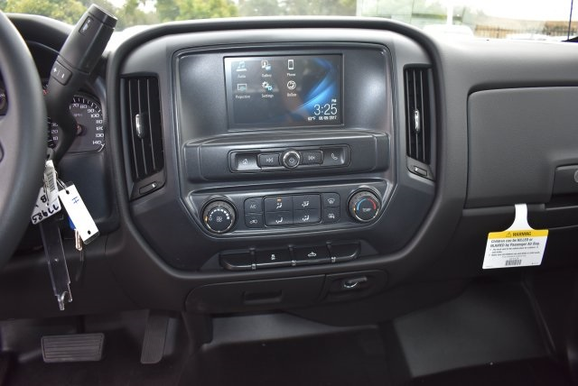 2017 Silverado 2500 Crew Cab, Harbor Utility #M17597 - photo 23