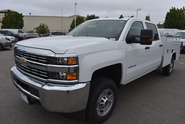 2017 Silverado 2500 Crew Cab, Harbor Utility #M17597 - photo 5
