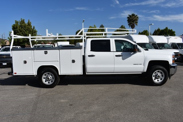 2017 Silverado 3500 Crew Cab, Harbor Utility #M17624 - photo 9