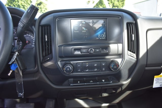2017 Silverado 3500 Crew Cab, Harbor Utility #M17636 - photo 23