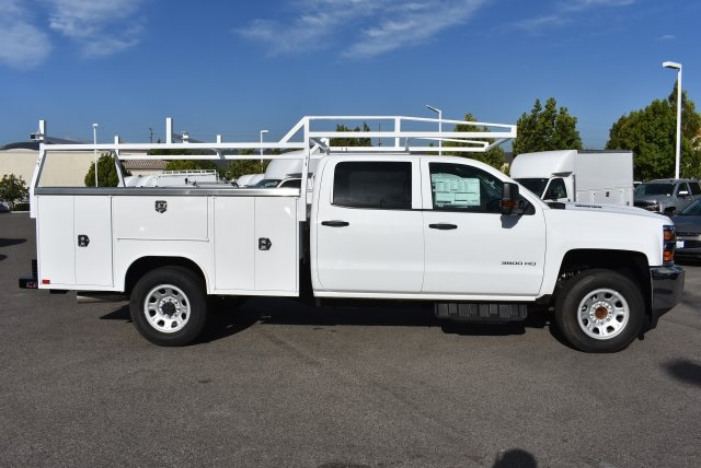 2017 Silverado 3500 Crew Cab, Harbor Utility #M17637 - photo 9