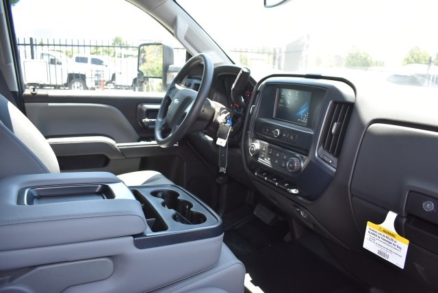 2017 Silverado 3500 Crew Cab, Harbor Utility #M17638 - photo 17