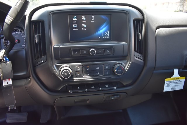 2017 Silverado 3500 Crew Cab, Harbor Utility #M17638 - photo 25
