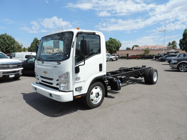 2017 Low Cab Forward Regular Cab, Cab Chassis #M1768 - photo 5